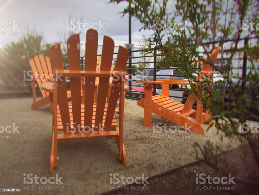 Orange Adirondack chairs photo libre de droits