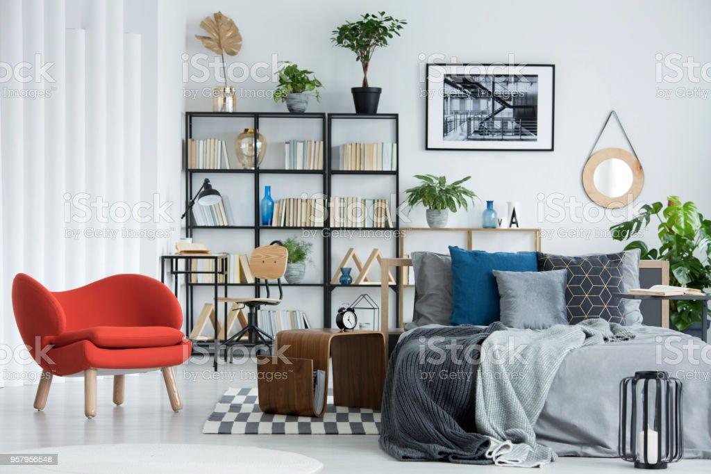 Orange Sessel Im Schlafzimmer Innenraum Stockfoto und mehr ...