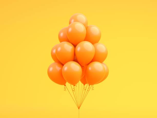 """オレンジ色の風船が浮かんでオレンジ""""n パステル背景スタジオ。最小限のアイデア創造的なコンセプト。3 d のレンダリング - 風船 ストックフォトと画像"""