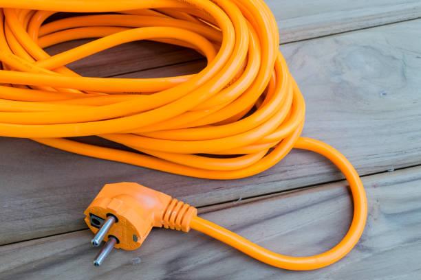 rallonge électrique orange - rallonge électrique photos et images de collection