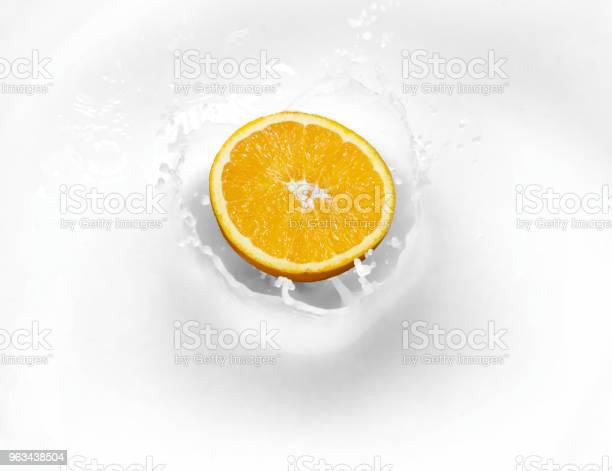 Pomarańczowa Cytryna Limonka W Mleku Na Twaróg Zdrowej Żywności - zdjęcia stockowe i więcej obrazów Bez ludzi