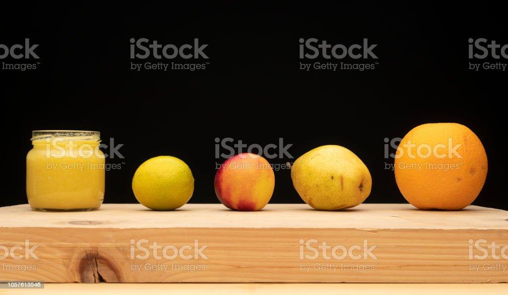Orange, Birne, Pfirsich, Zitrone, Orangensaft – Foto