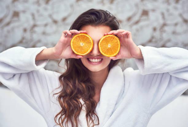 sinaasappelen hier te fleuren de dag! - vitamine c stockfoto's en -beelden
