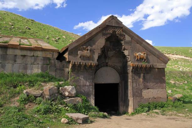 orbeli de karavanserai - karavanserai stockfoto's en -beelden