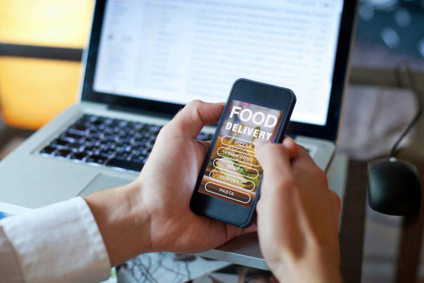 order food online on internet - ordine foto e immagini stock