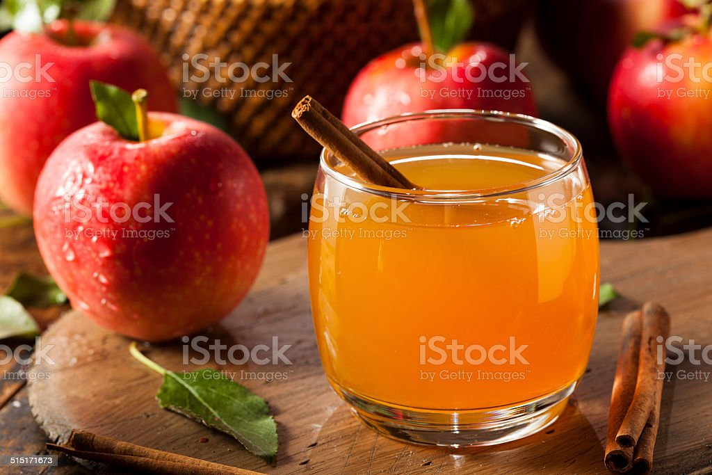 Яблоко с корицей напиток