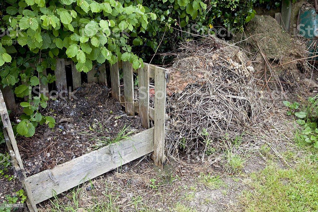 Organic composta Mucchio giardino riciclaggio - foto stock