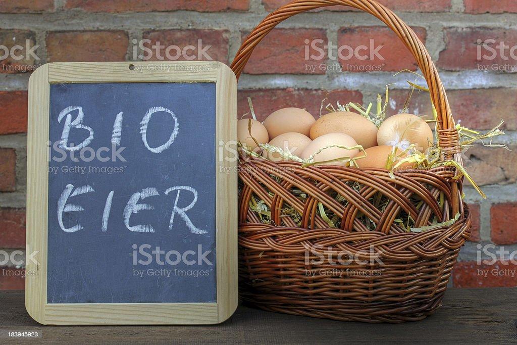 bio eier vom wochenmarkt royalty-free stock photo