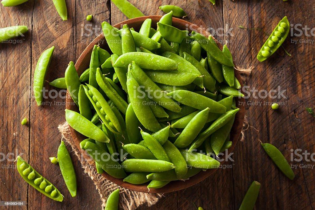 Guisantes orgánicos verde azúcar de encaje a presión - foto de stock