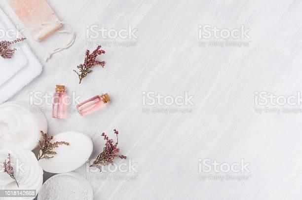 Organic homemade white cosmetics set with pink flowers and massage picture id1018142668?b=1&k=6&m=1018142668&s=612x612&h=8ipfidqy5foq066ygfje5b hb1kq utycgmi 2lukxe=
