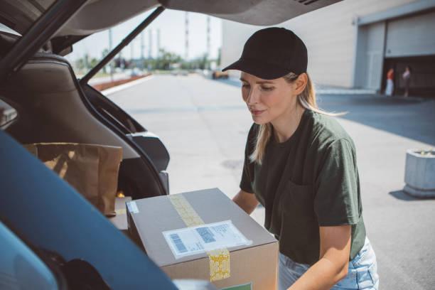 organic product delivery - dodatkowa praca zdjęcia i obrazy z banku zdjęć