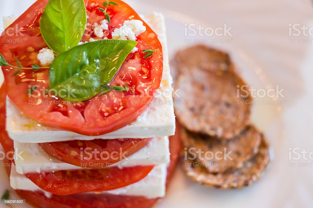 Organic Tomatoes and Feta royaltyfri bildbanksbilder