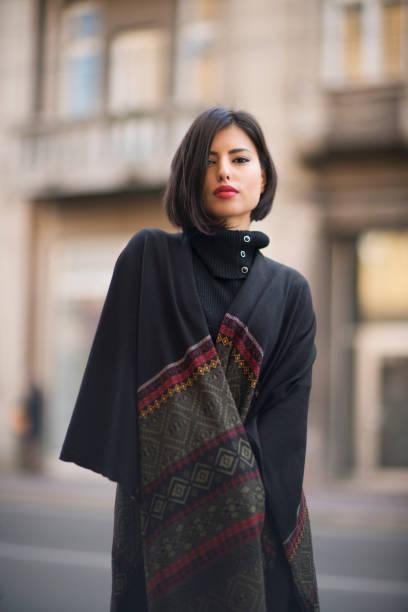 orient fashion - wintermantel damen wolle stock-fotos und bilder