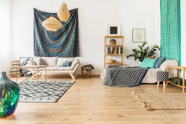 orientalische studio interieur - shabby deko stock-fotos und bilder
