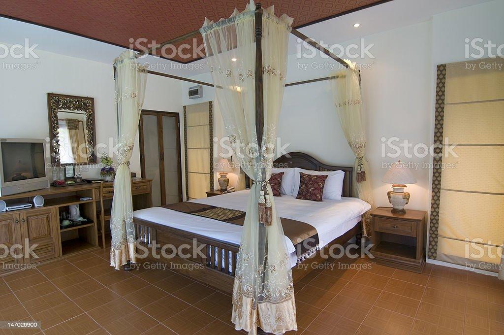 Camera Da Letto Stile Orientale Tropicale - Fotografie stock e altre  immagini di Albergo