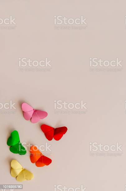 Origami butterfly picture id1019355780?b=1&k=6&m=1019355780&s=612x612&h=xhdg9 kzvmtuewxmdurijrcn0otqgr6z7ms8ragvhuq=