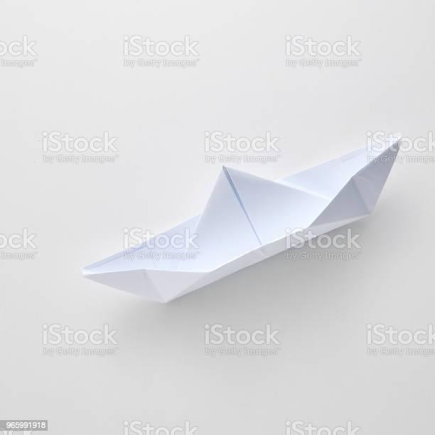 Origami Papier Schiff Isoliert Auf Weißem Hintergrund Stockfoto und mehr Bilder von Abstrakt