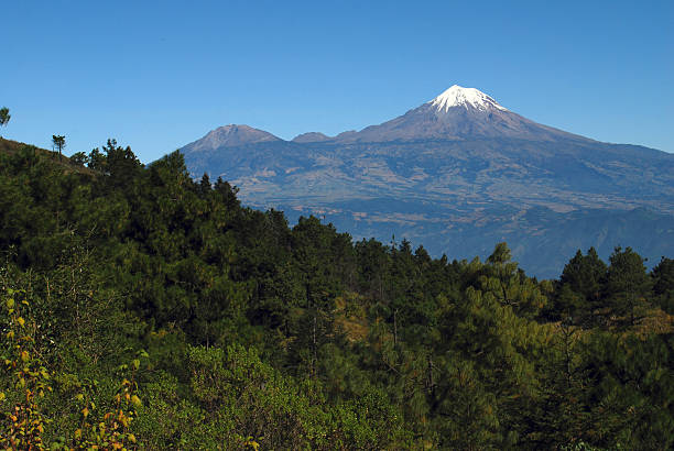 Orizaba peak and Sierra Negra In the Sierra Negra next to Citlaltepetl is the world's largest millimeter telescope orizaba stock pictures, royalty-free photos & images