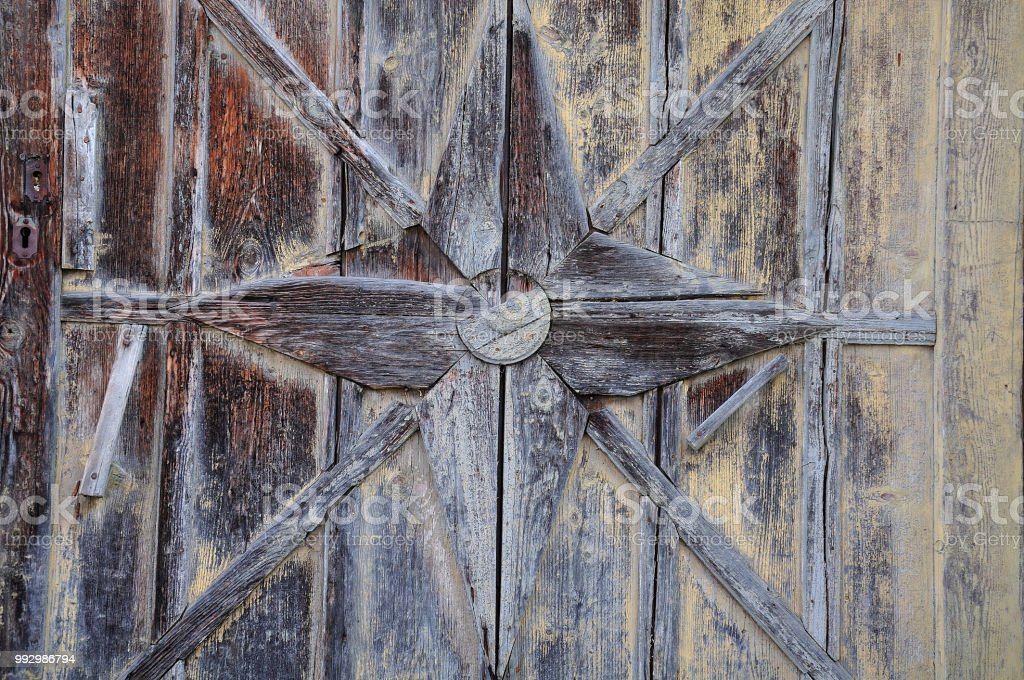 Ornament an alte Tür – Foto