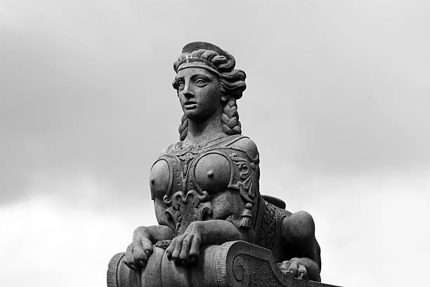 ornament (sphinx) von der eremitage palace, dänemark - eremitage stock-fotos und bilder