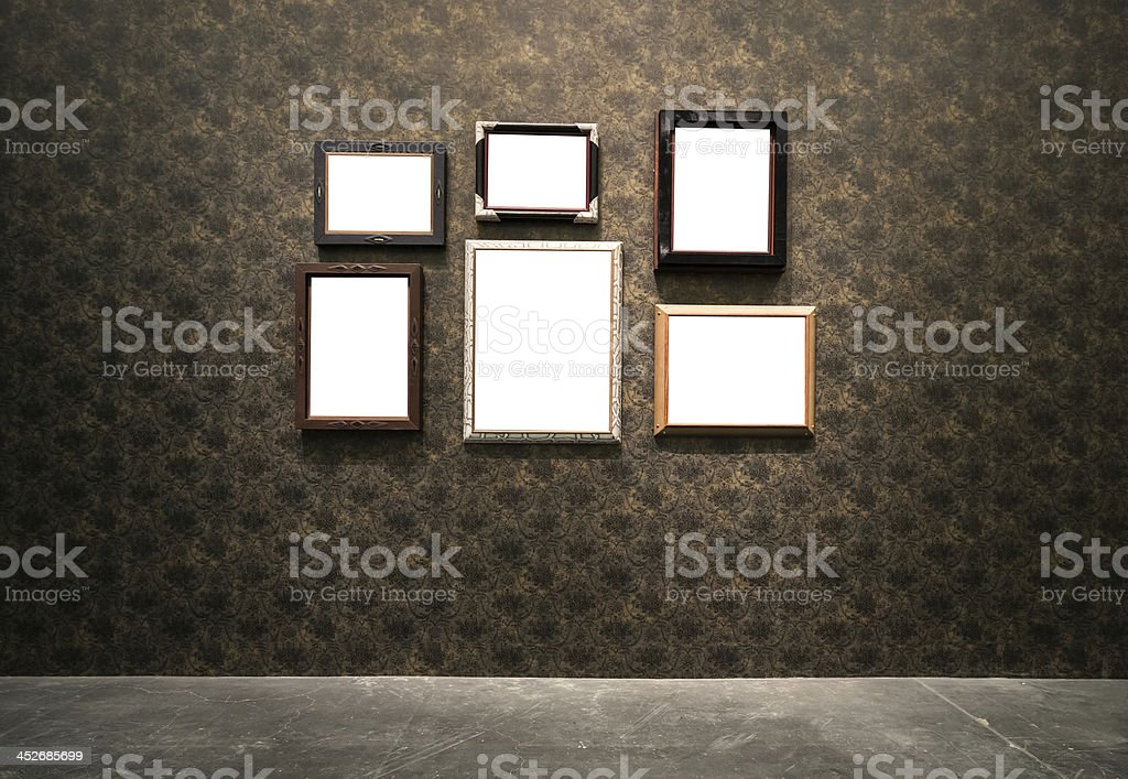 Reich verzierten goldenen Rahmen an grunge Hintergrund – Foto
