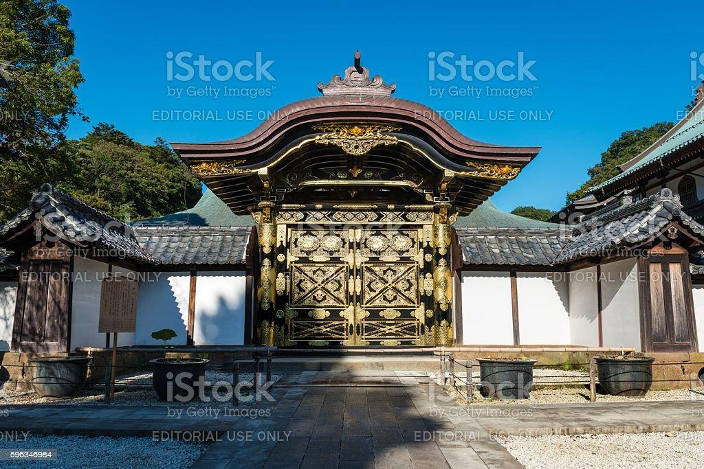 Ornate Karamon gate in Kencho-ji temple in Kamakura Lizenzfreies stock-foto