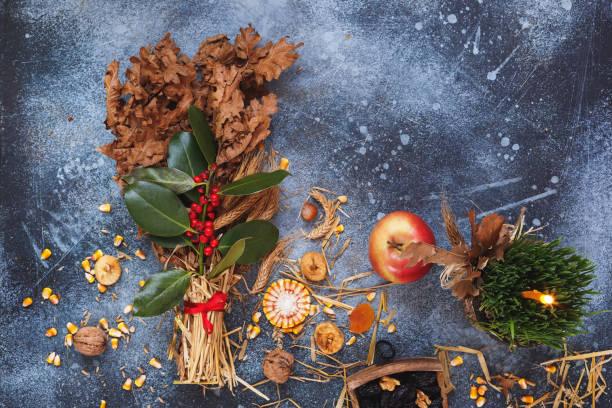 orthodoxe weihnachten, dekoration und traditionen hintergrund - russisch orthodoxe kirche stock-fotos und bilder