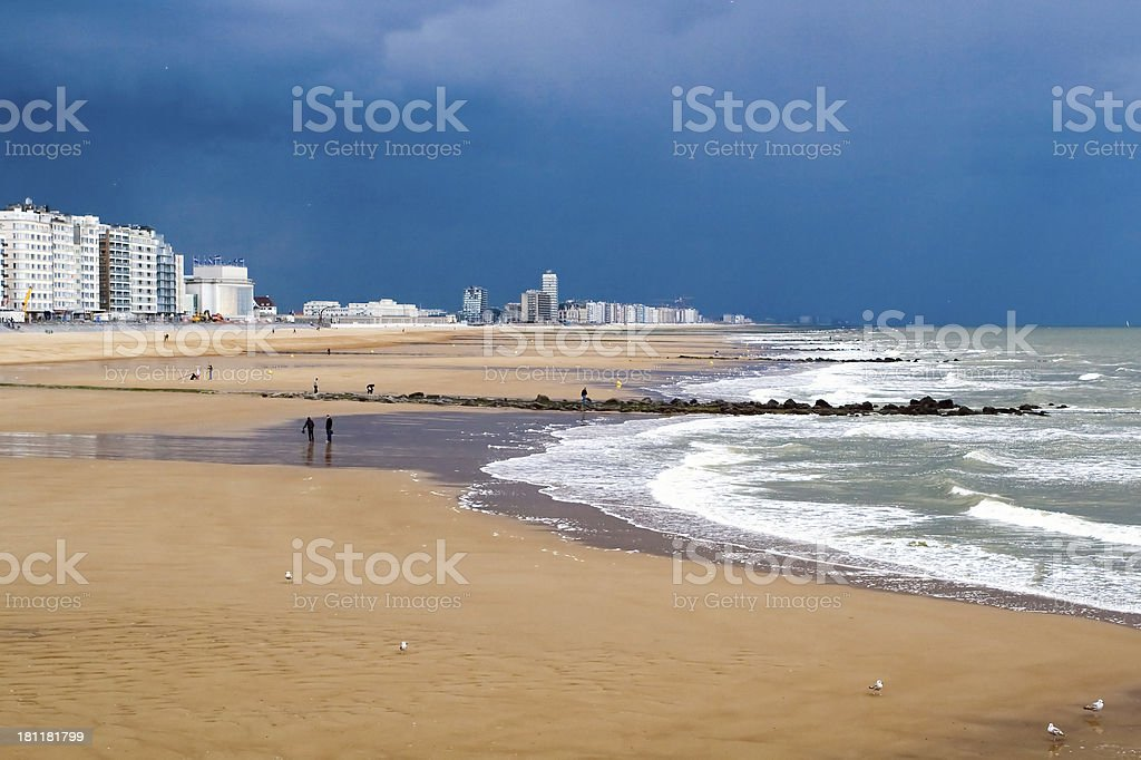 Ostend Beach before the storm​​​ foto