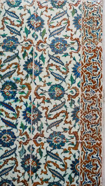 osmanische alte handgemachte türkische fliesen - türkische fliesen stock-fotos und bilder