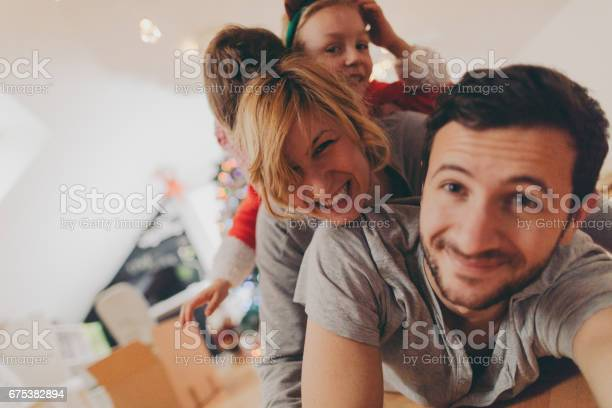 Our family photo on christmas morning picture id675382894?b=1&k=6&m=675382894&s=612x612&h=fvonrm4 oq1xwzphvgrlmoy5cjqukbx7kjhgq577xcg=