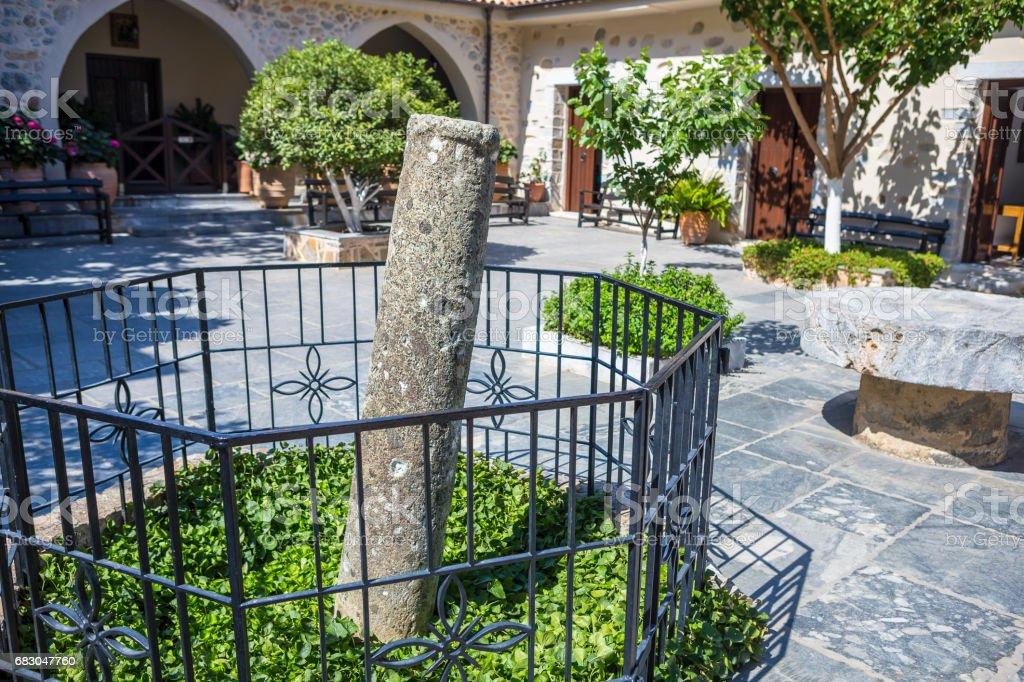 Сourtyard of Monastery Kera Kardiotissa in the mountains of Crete. Greece foto de stock royalty-free