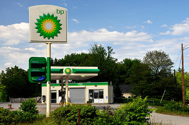 out of business bp gas station - mike cherim stock pictures, royalty-free photos & images