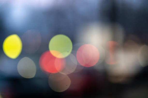 アウト フォーカス抽象的でカラフルな街の明かり ストックフォト