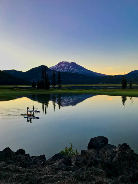 outdoor activities on oregon lake - bend oregon stock pictures, royalty-free photos & images