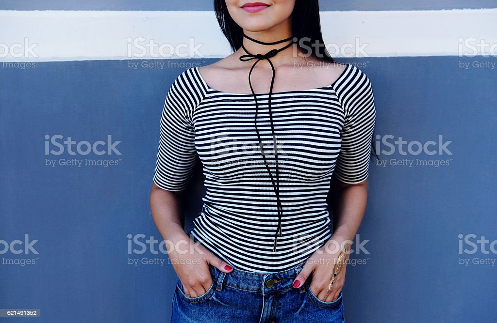 Outdoor cute girl with choker bow on neck. Stylish accessory foto stock royalty-free