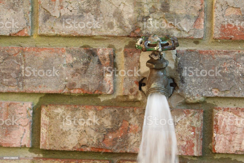 Outdoor Faucet Spigot Stock Photo & More Pictures of Faucet | iStock