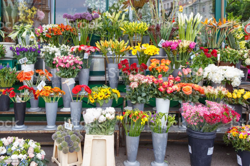 Outdoor flower shop with roses, peonies and lilies - Royalty-free Beauty Stock Photo