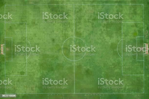 Foto de Estádio De Futebol Ou Futsal Ao Ar Livre Grama Verde E Feita Por e mais fotos de stock de Avião sem piloto