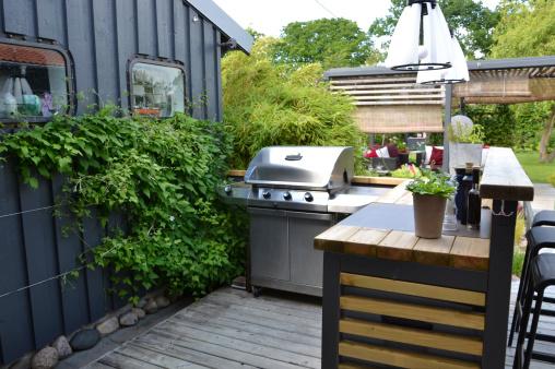 Modern outdoor living: