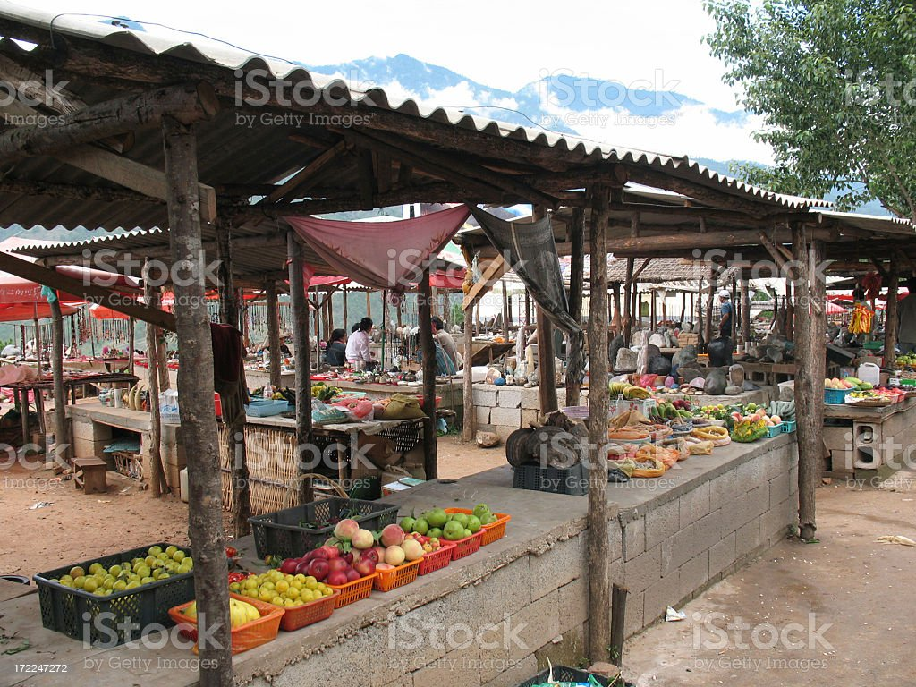 \'Open-air market in Lijiang, China.\'