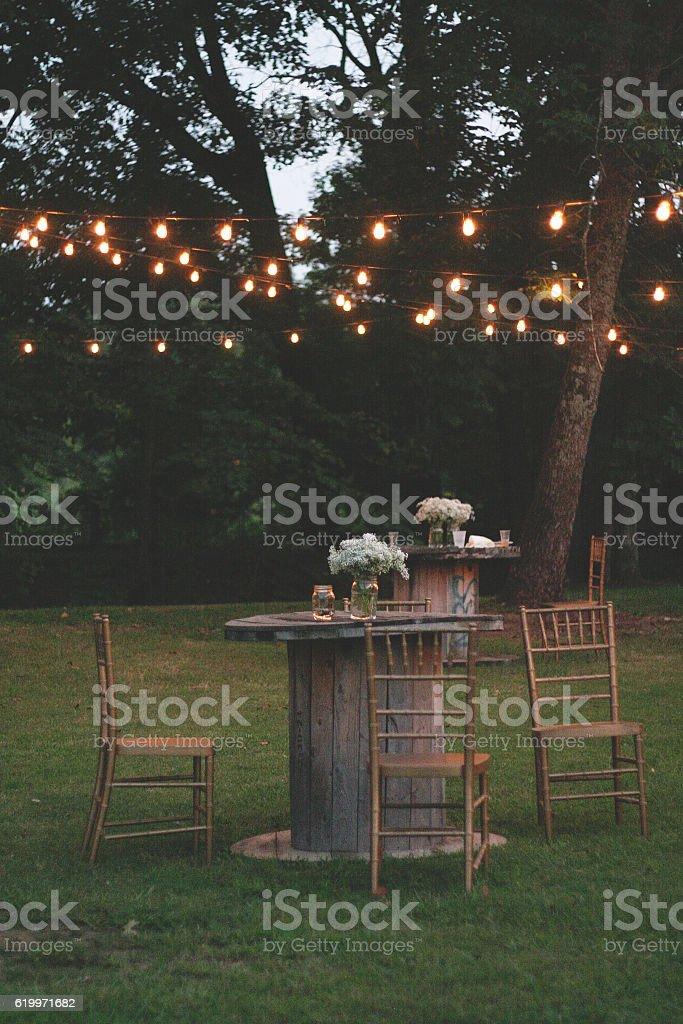 Outdoor Seating Area at Dusk - foto de acervo
