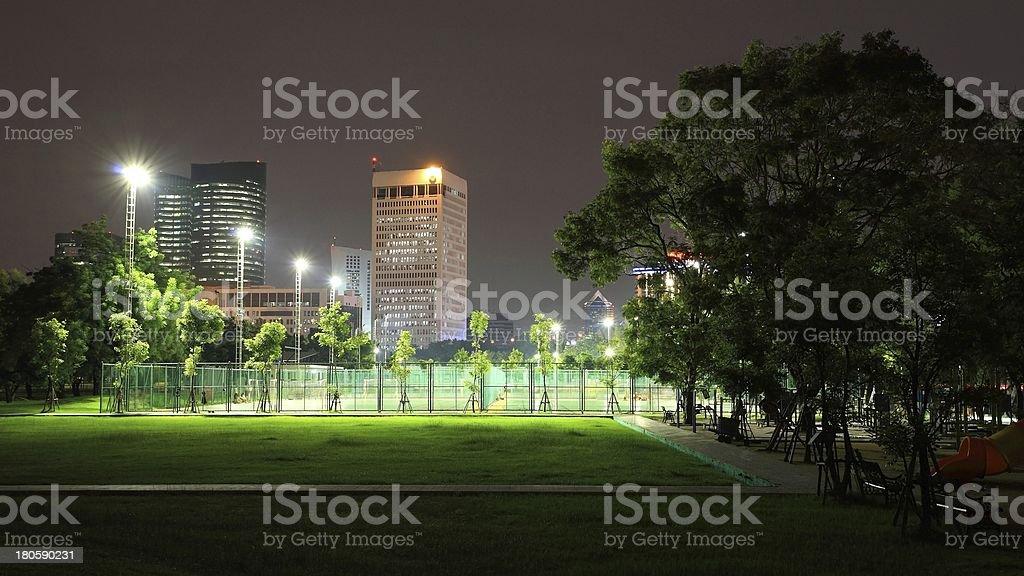 Outdoor-sport-Stadion bei Nacht in the park – Foto