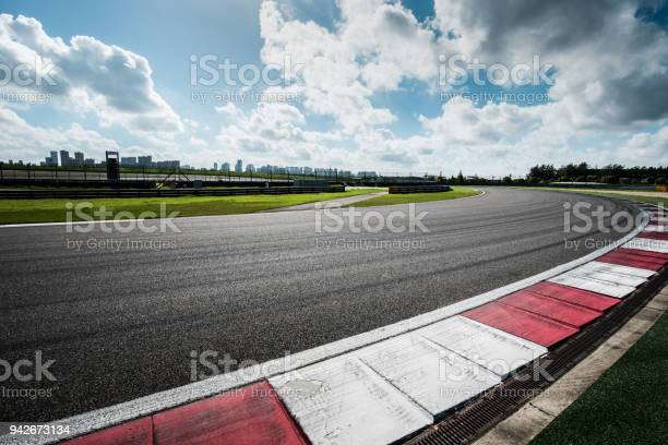 Photo of outdoor  track and  racing