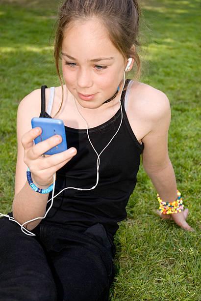 música al aire libre - mp4 fotografías e imágenes de stock