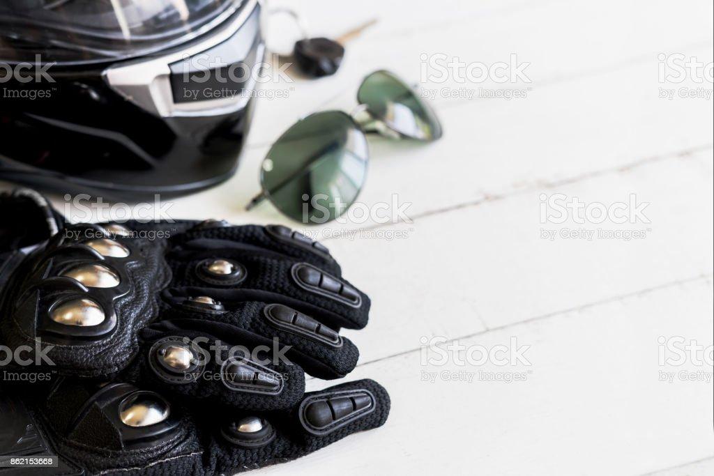 Outfit von Biker und Zubehör mit Textfreiraum – Foto