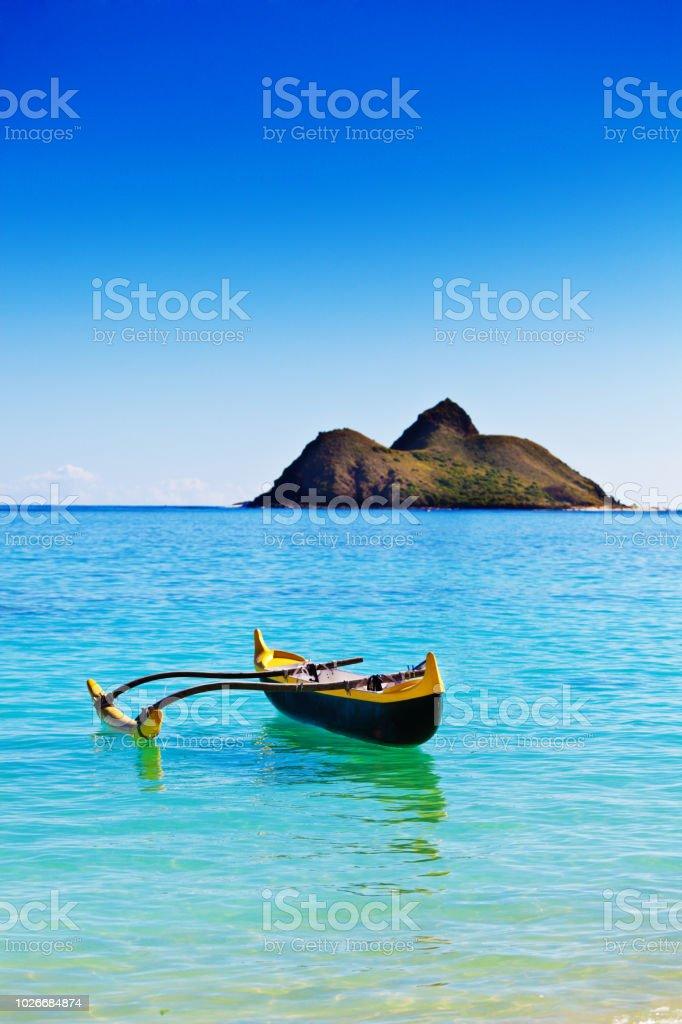 Na Mokulua Hawaii: Outrigger Canoe Off Lanikai Beach With Mokulua Island Oahu