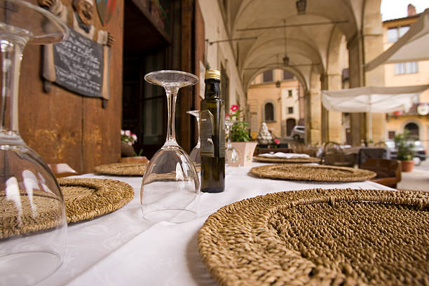 outside dining  arezzo stock pictures, royalty-free photos & images