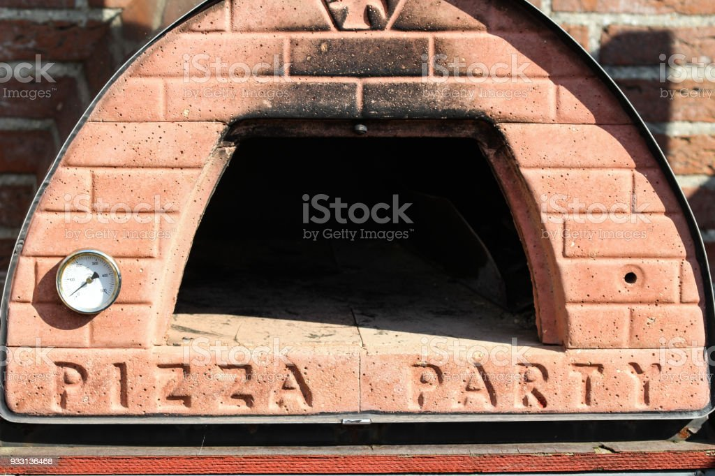 Außen Stein Pizzaofen Im Garten Stockfoto Und Mehr Bilder Von Alt