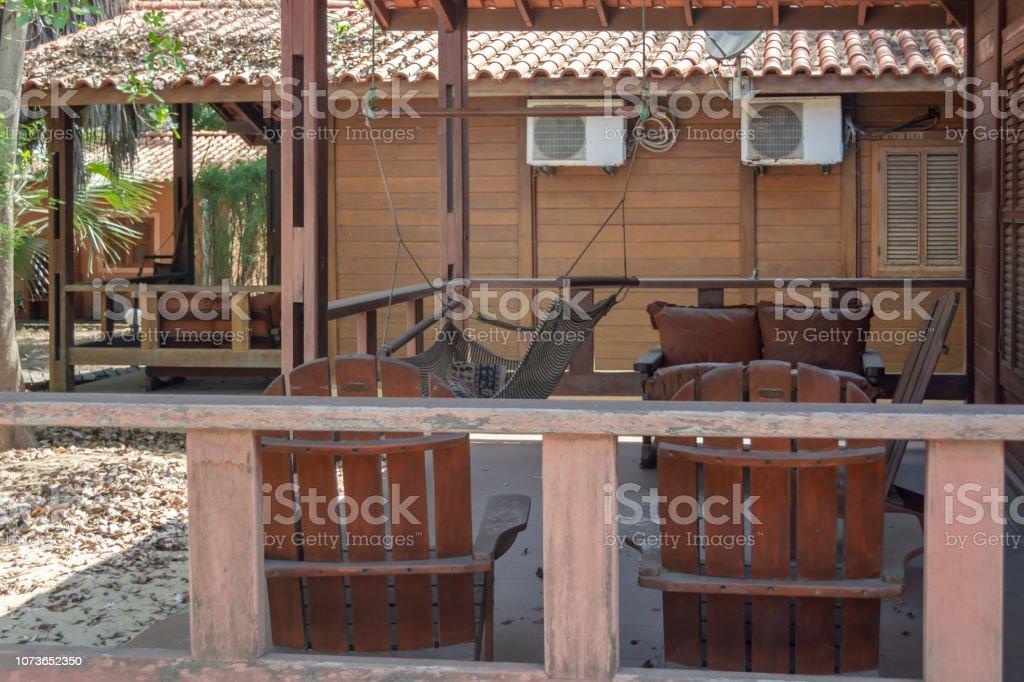 Terraza Exterior De Bungalows De Madera En La Costa Angola