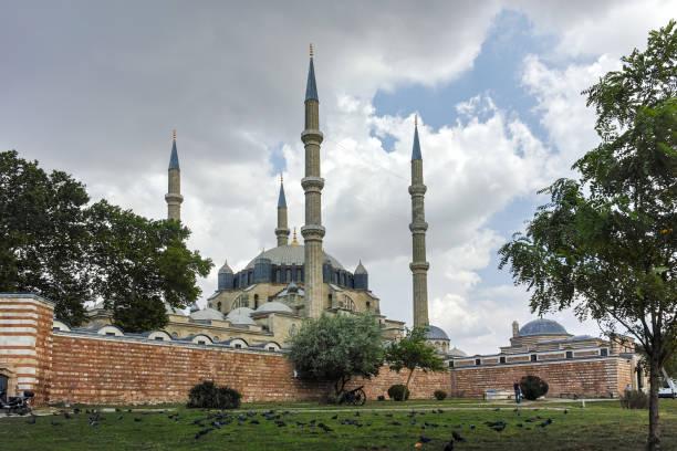 außenansicht der selimiye moschee erbaut zwischen 1569 und 1575 in der stadt edirne, ost-thrakien, türkei - selimiye moschee stock-fotos und bilder